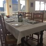 la grande table dans le séjour